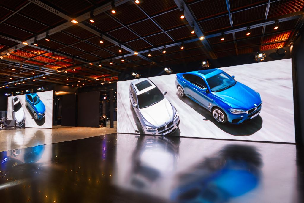 LED displays in the world of cars or high-tech art